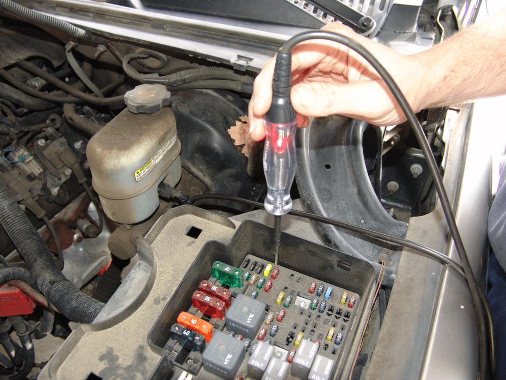 2001 Chevrolet Silverado With No Stoplights    Brakelights