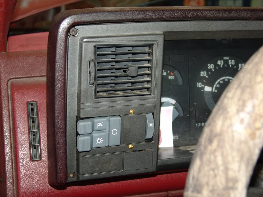 Sparky's Answers - 1990 Chevrolet K1500 Pickup, Multiple Electrical